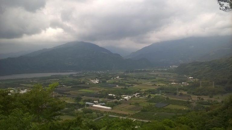 パラグライダー出発点からの壮観な眺め