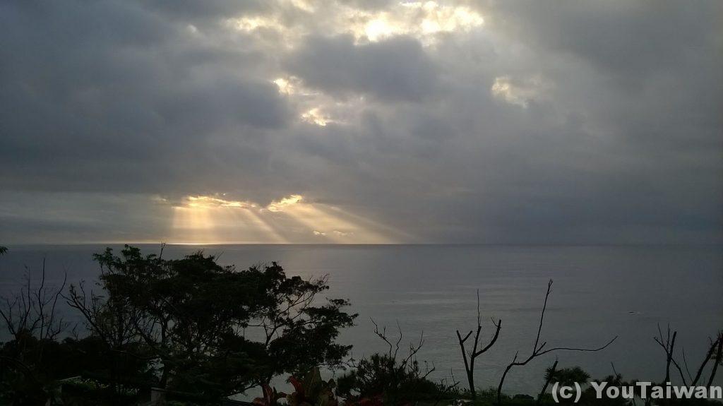 台東東河からの太平洋の朝