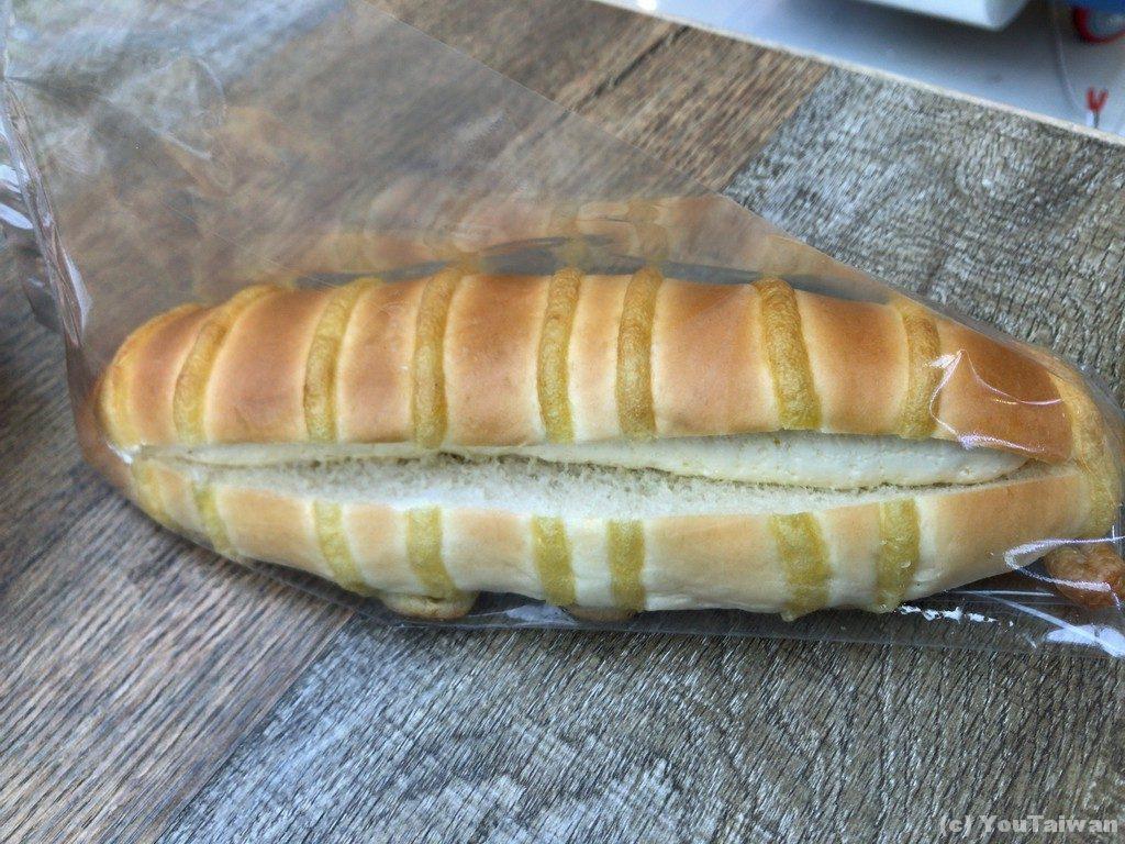 クリーム入りパン